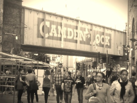Camden Lock. ©2014.alittlebirdtweets